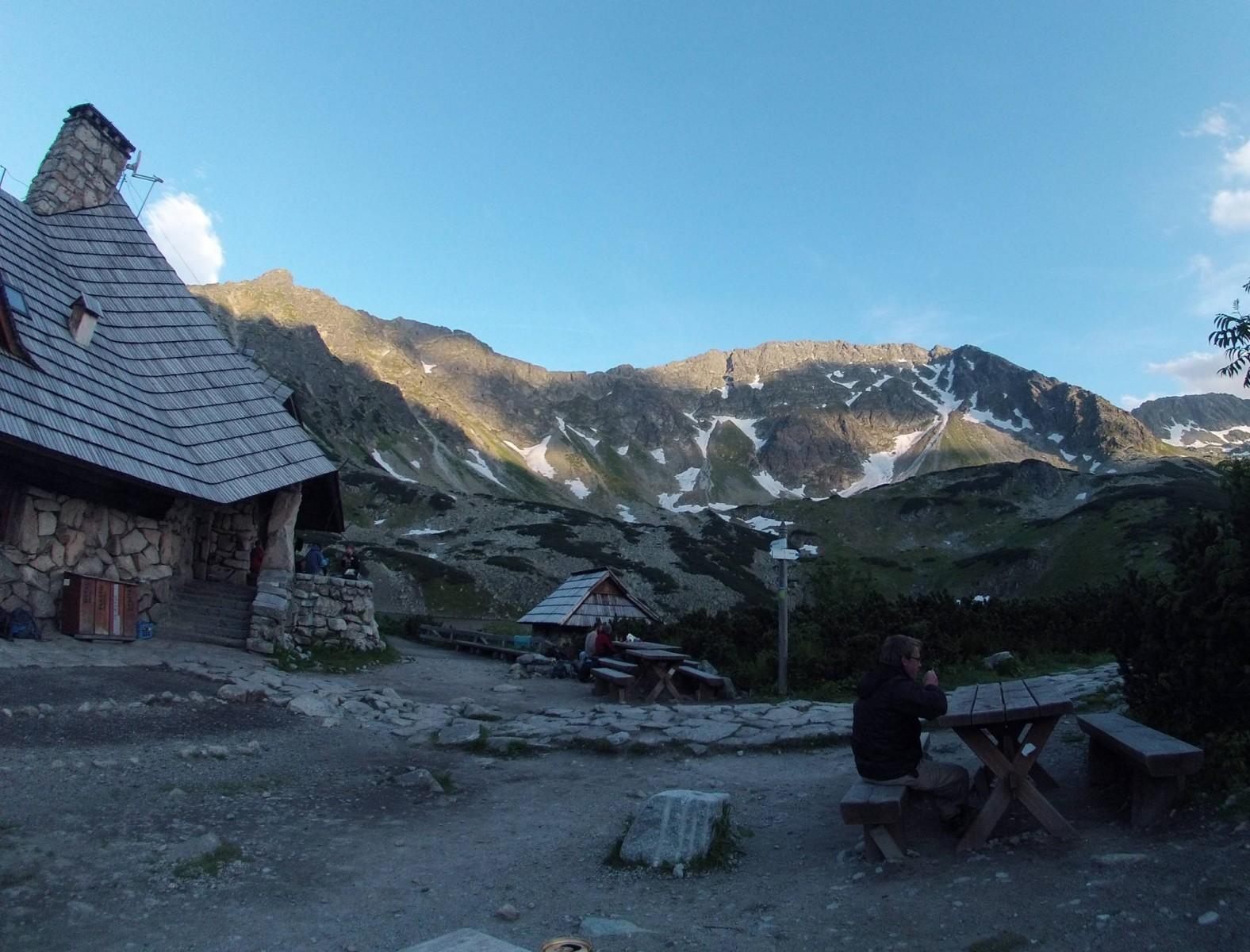 Schronisko Górskie w Dolinie Pięciu Stawów