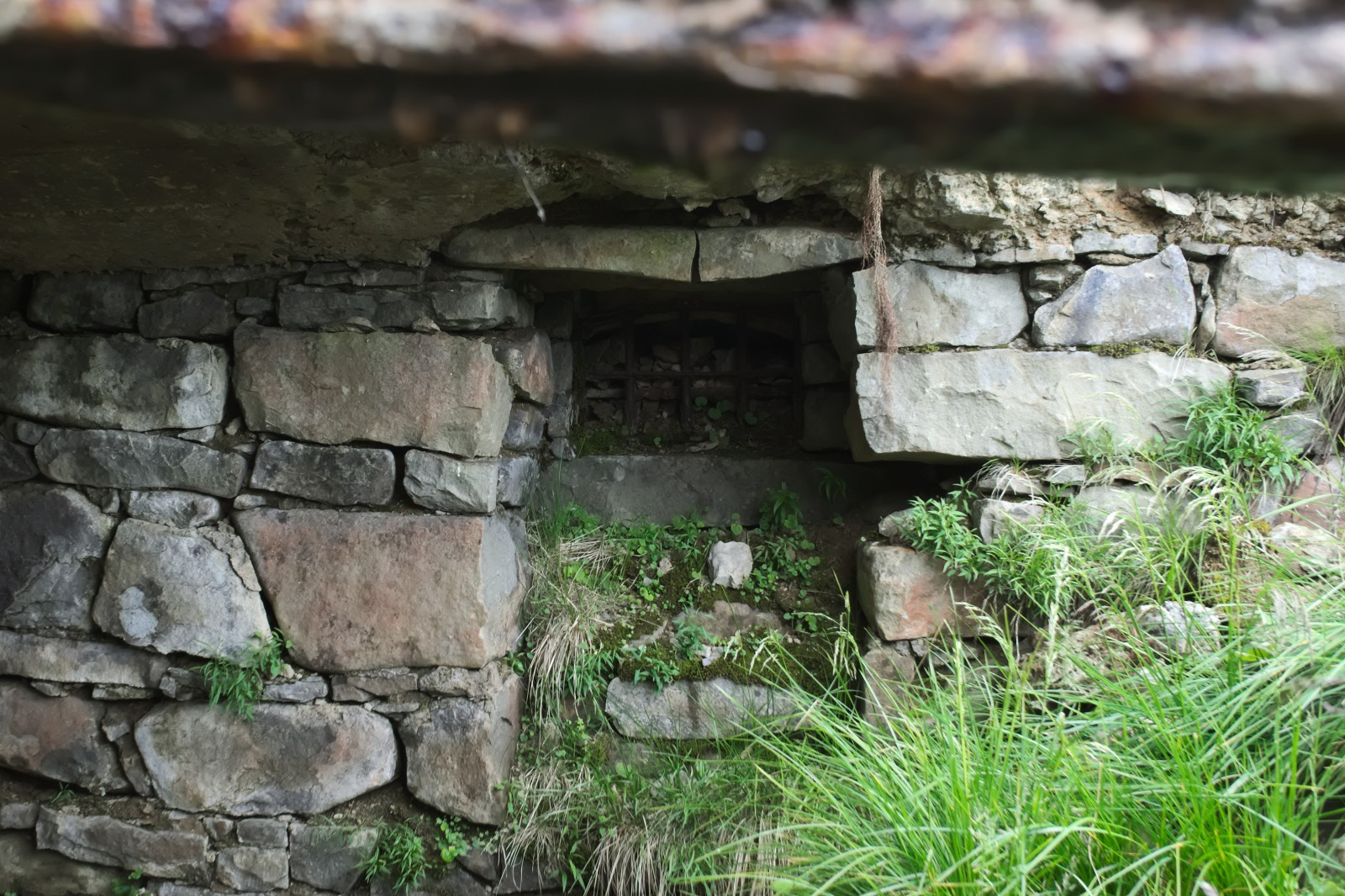 Ruiny schroniska Beskidenverein 1905-1949