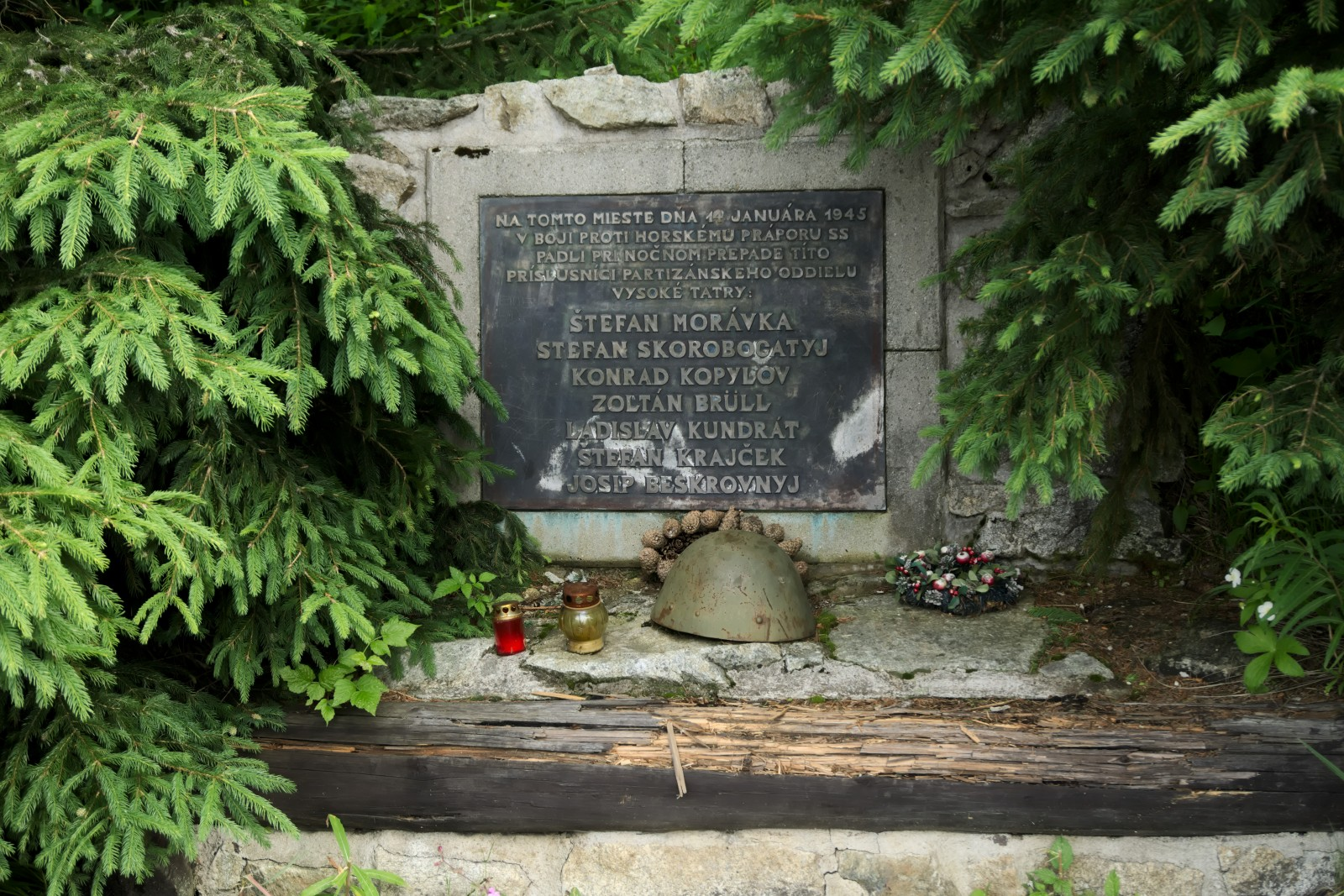 Památník pod Kriváněm