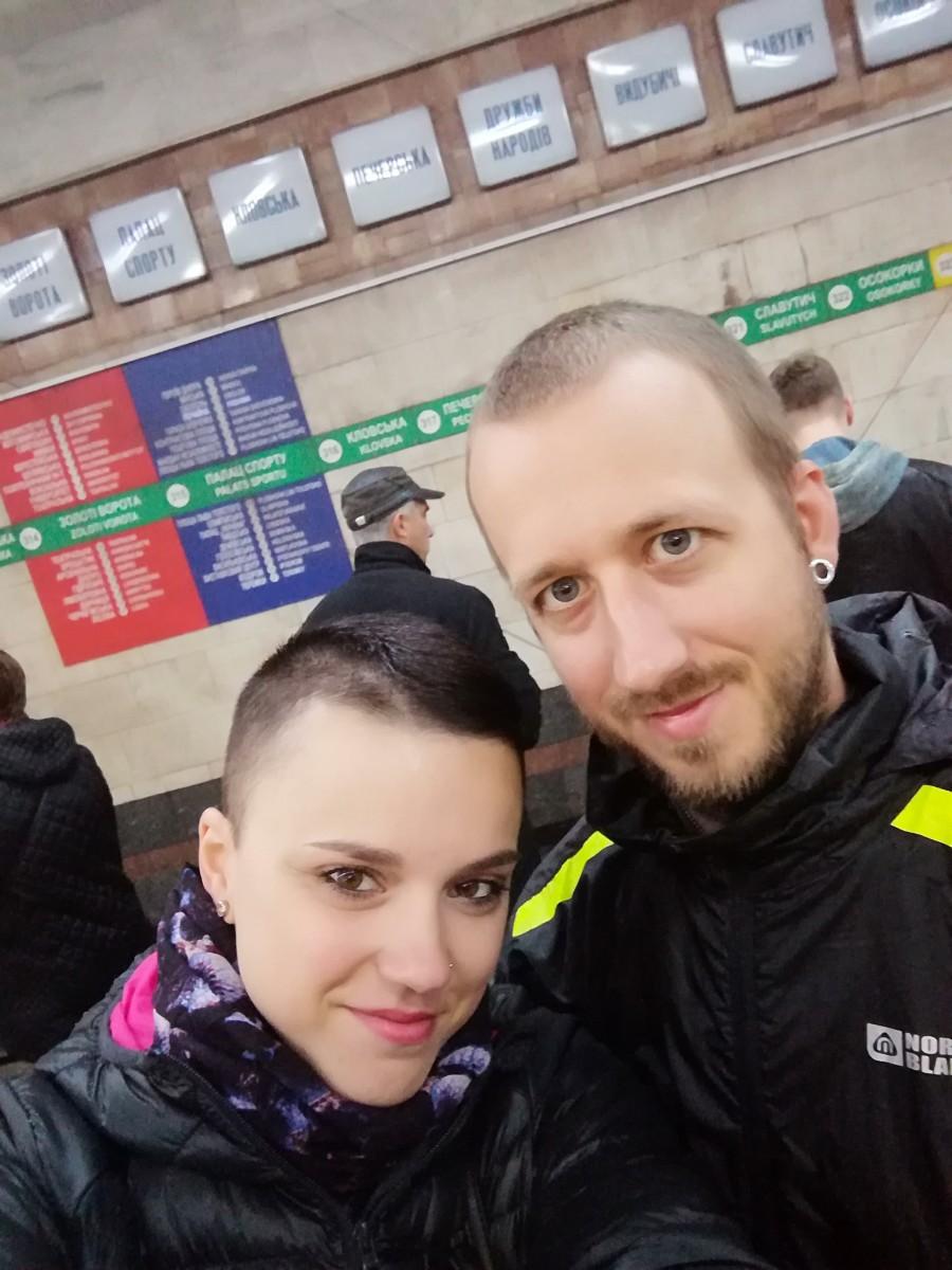 První fotka z metra :)